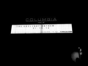 """Zdjęcie neonu przed koncertem The Gaslight Anthem w Berlinie w 2014 roku. Ilustracja do tekstu """"Moja wymarzona noc"""""""
