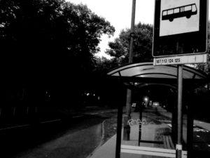 Przystanek autobusowy na ulicy Walczaka w Gorzowie